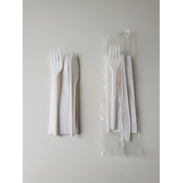 Set de couverts fourchette, couteau, serviette